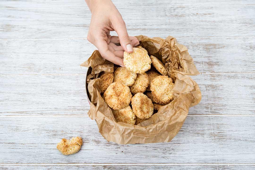 Upiecz jaglane kokosanki ztylkotrzech składników