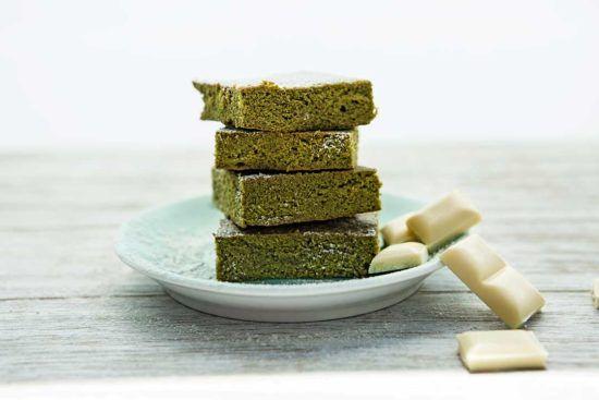 Upiecz zielone ciasto z matcha