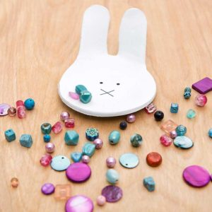 Zrób miseczkę w kształcie króliczka z gliny samoutwardzalnej