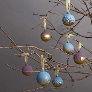 Ozdób bombki farbami kredowymi od Annie Sloan
