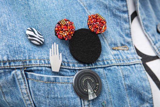 Spersonalizuj filcową broszkę w kształcie Minnie
