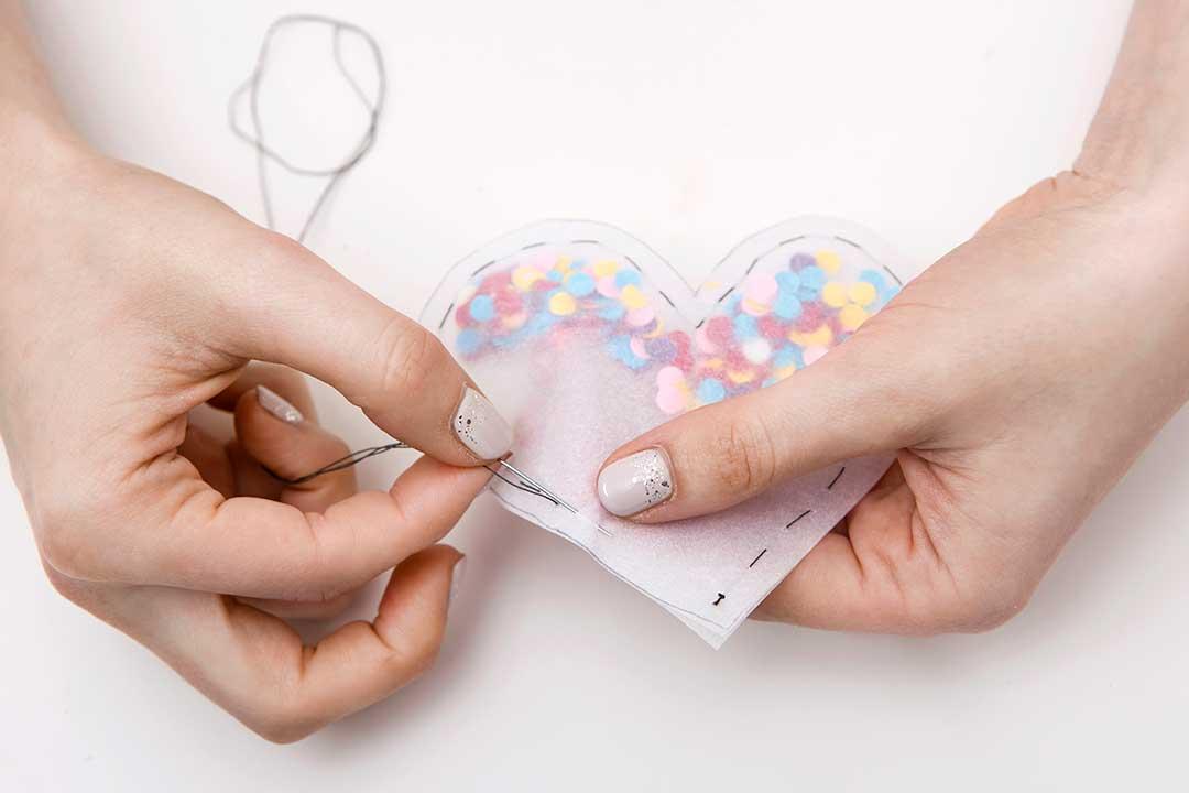 Żyj pięknie - Przygotuj walentynkę zkonfetti