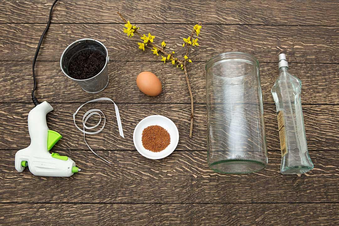 Żyj pięknie - Zrób ozdobę nawielkanocny stół zezwykłego słoika, rzeżuchy iwydmuszki