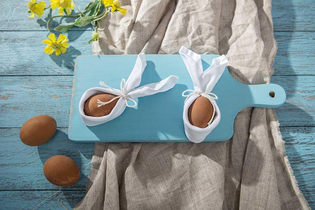 Żyj pięknie - Robimy jajkom królicze uszy zserwetki