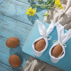 Żyj pięknie - Robimy jajkom królicze uszy z serwetki