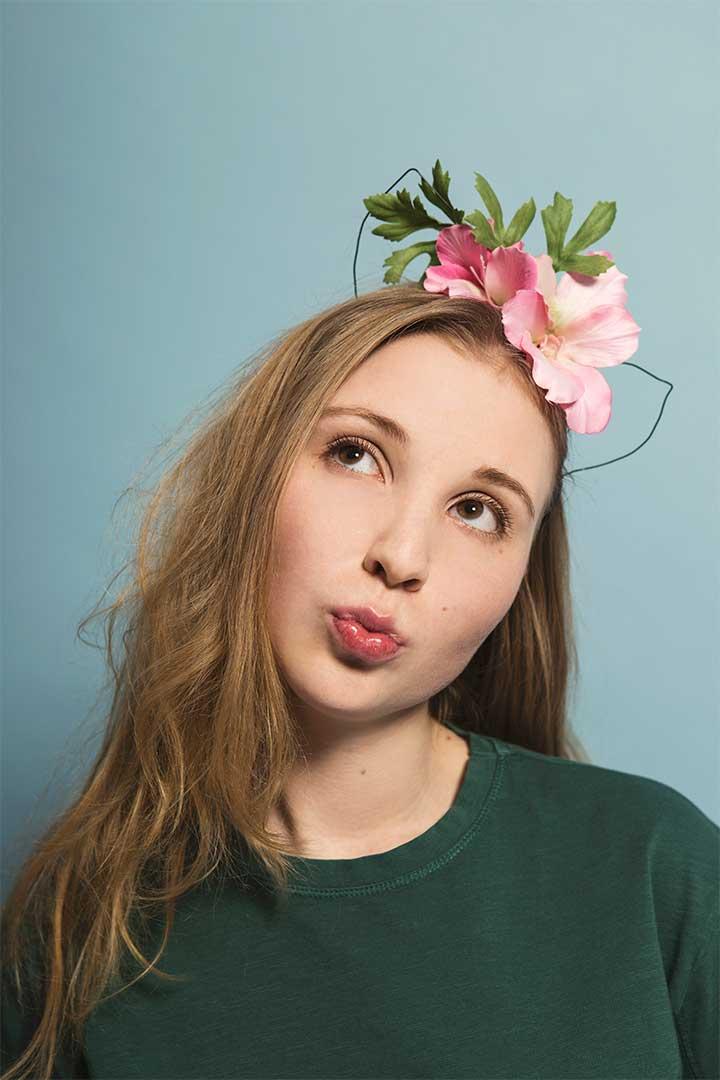 Żyj pięknie - Zrób opaskę kocimi uszami ikwiatami