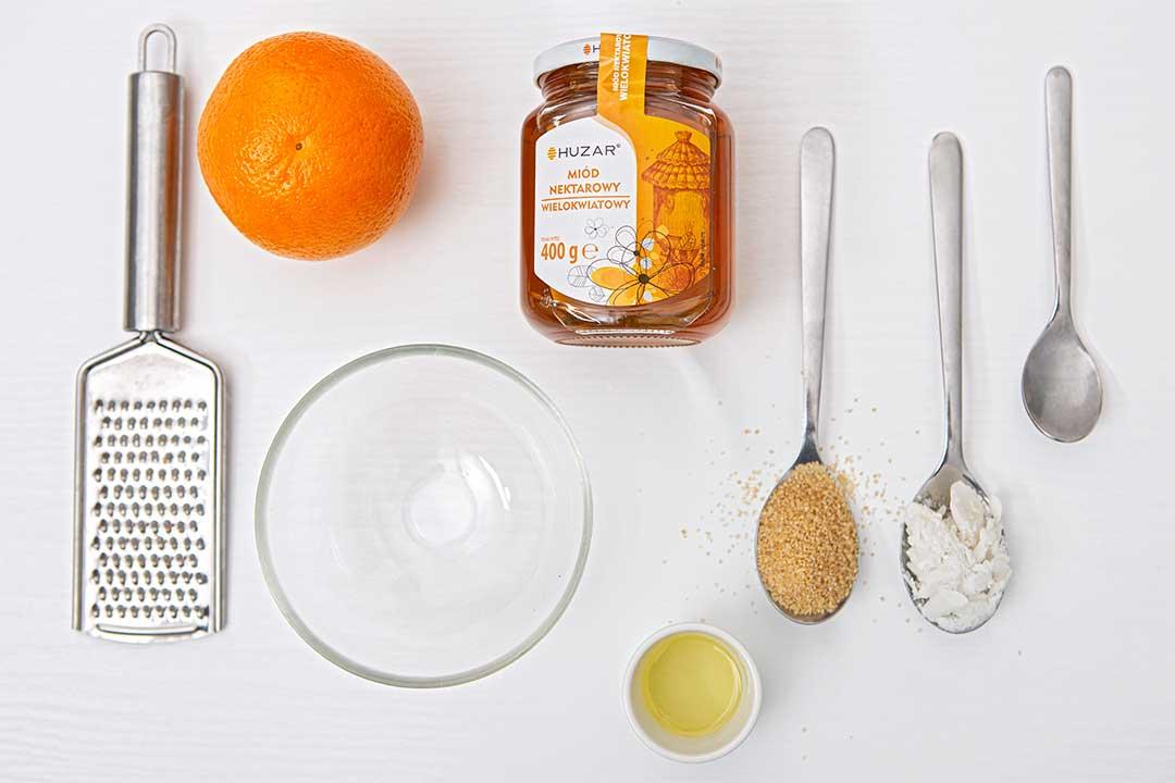 Żyj pięknie - Przygotuj odżywczy peeling zmiodu, brązowego cukru, olejów iskórki pomarańczy