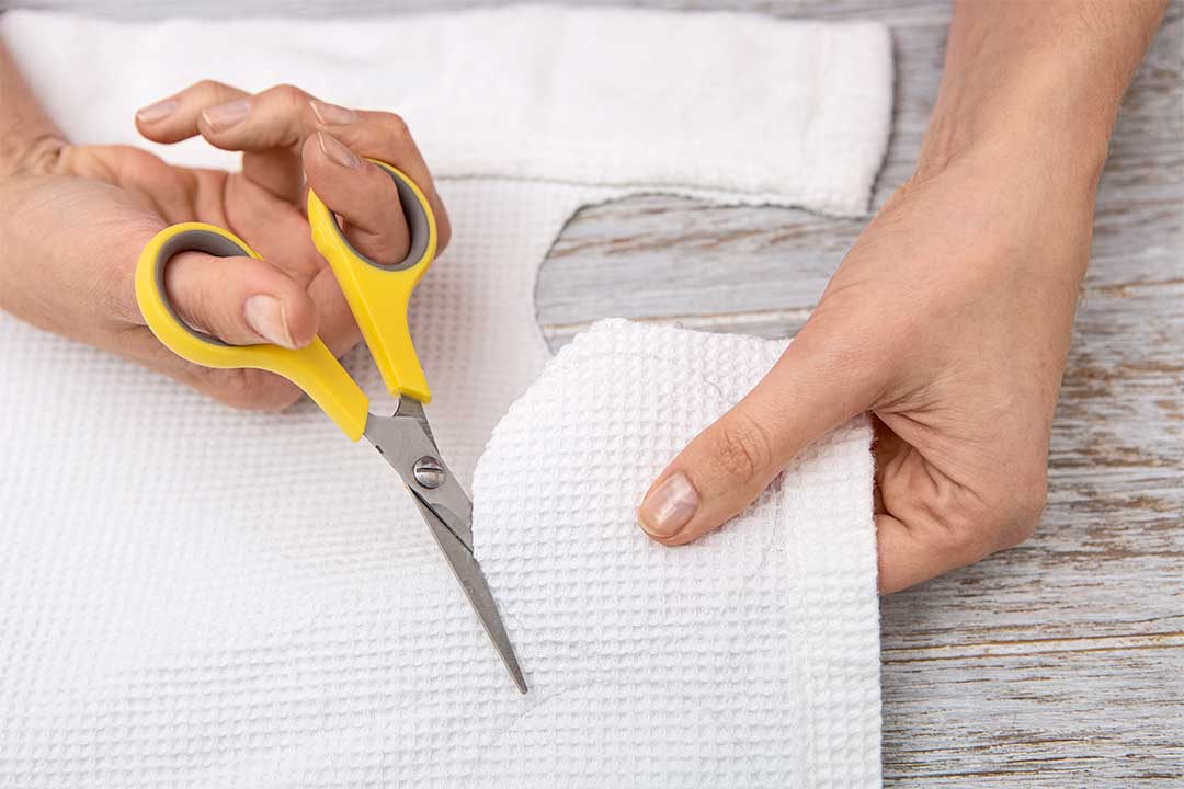 Żyj pięknie - Uszyj wielorazowe płatki kosmetyczne zbawełnianego szlafroka