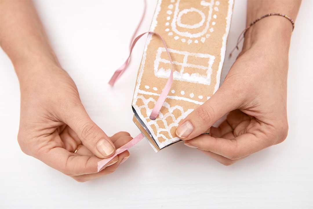 Żyj pięknie - Zrób ekologiczne pudełko naprezenty zkartonu posoku Tetra Pak