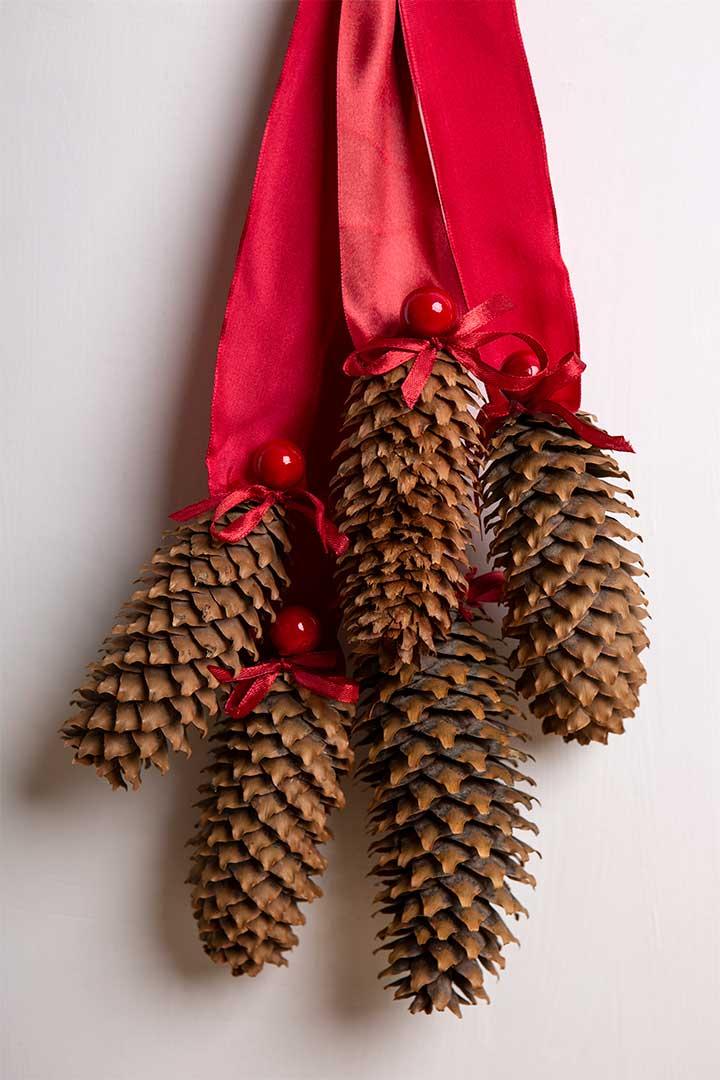 Żyj pięknie - Zrób świąteczną dekorację nadrzwi zszyszek iwstążek