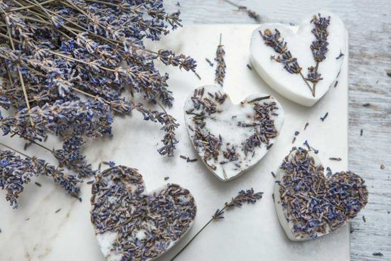 Żyj pięknie - Mydło z resztek mydeł i suszonych kwiatów